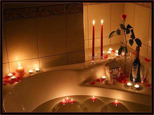 Badezimmer deko zum valentinstag for Badezimmer bilder deko