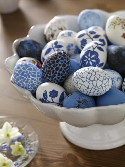 Ostereier basteln und bemalen legende blau