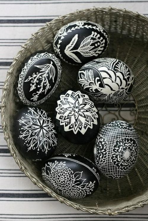 Ostereier basteln und bemalen schwarz weiß
