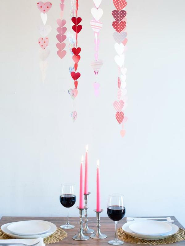 Deko zum Valentinstag hängend papier girlande herzen