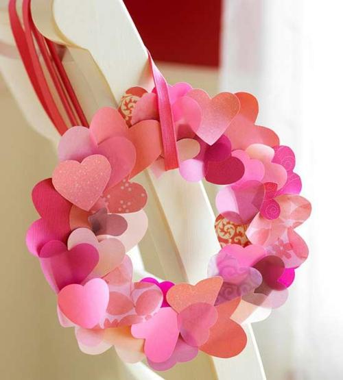 DIY Dekoartikel zum Valentinstag herz rot rosa kranz
