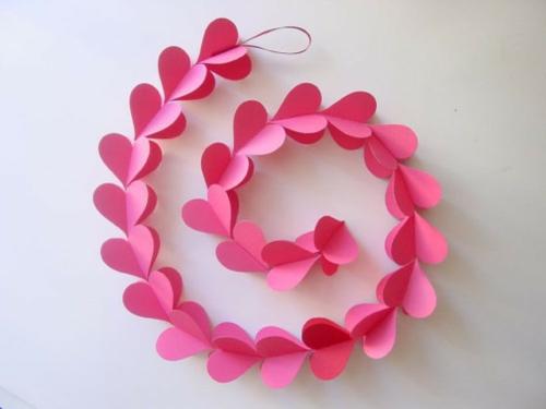 DIY-Dekoideen-zum-Valentinstag-girlande-herzen-rosa