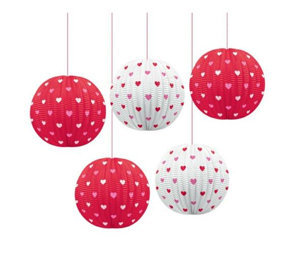 Dekoideen zum Valentinstag kugel hängend weiß rot