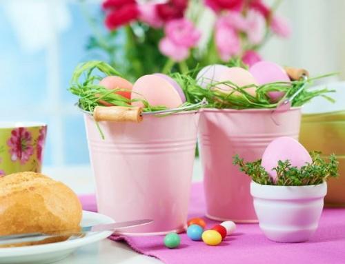 Eierhalter und Ständer zu Ostern basteln becher bunt