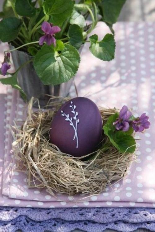 Eierhalter und Ständer zu Ostern basteln dunkel farben