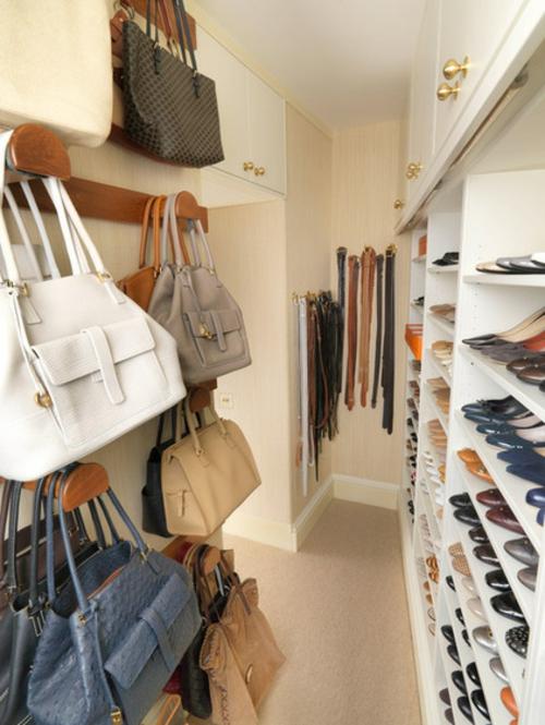 Einrichtungsideen für Wandschrank ankleideraum taschen haken