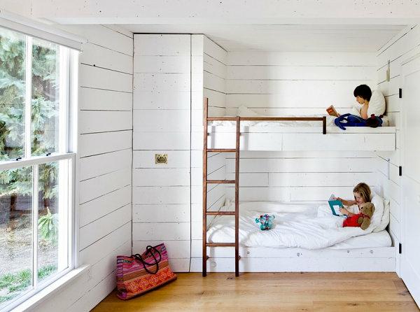 Einrichtungsideen für kleine Hütten kinderzimmer hochbett treppe