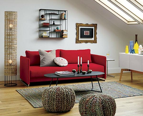 Einrichtungsideen für kleine hütten muster rot couch