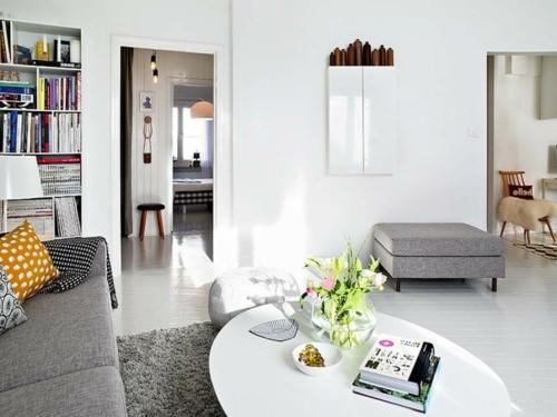 Einrichtungsideen schwedische Wohndeko couchtisch sofa