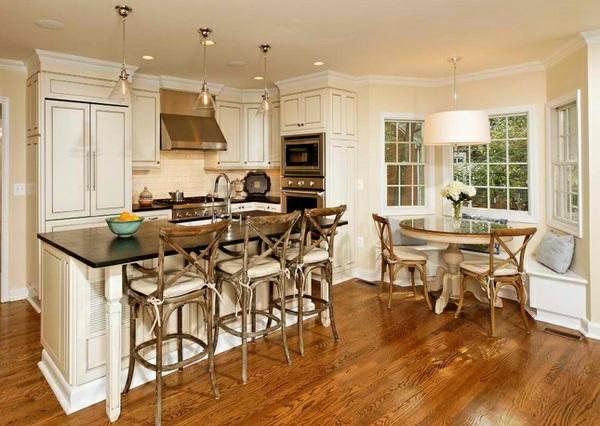 Essecke in der Küche gestalten rustikal küchenhocker lehnen