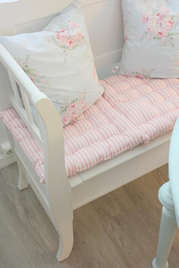 Esstisch mit Sitzbank holz auflage weich streifen rosa weiß