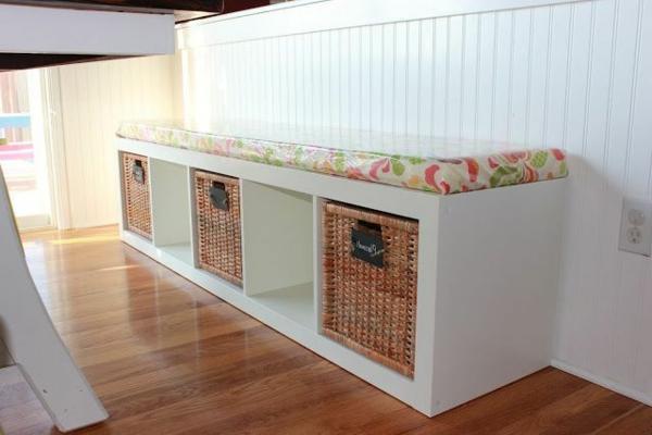 Esstisch mit Sitzbank holz körbe stauraum weiß