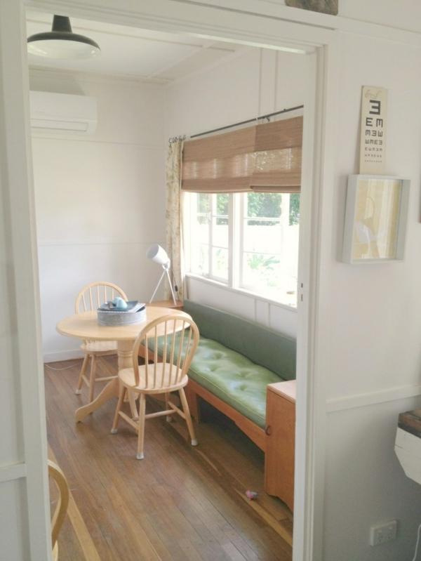 Esstisch mit Sitzbank holz leder grün auflage