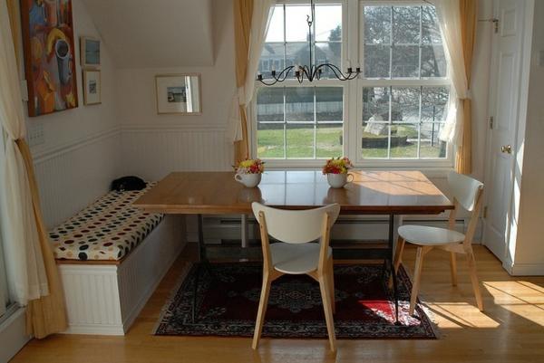 Esstisch Sitzbank holz perserteppich weiß stühle