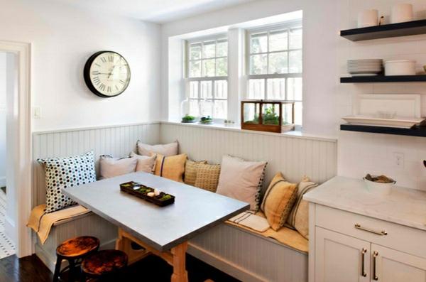 Esstisch mit Stühlen in der Küche - Gemütliche Essecke gestalten