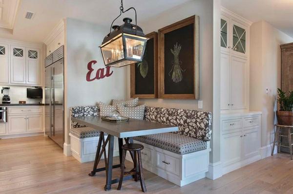 esstisch mit st hlen in der k che gem tliche essecke. Black Bedroom Furniture Sets. Home Design Ideas