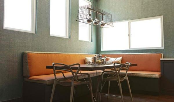 Esstisch mit Stühlen sachlich praktisch kompakt