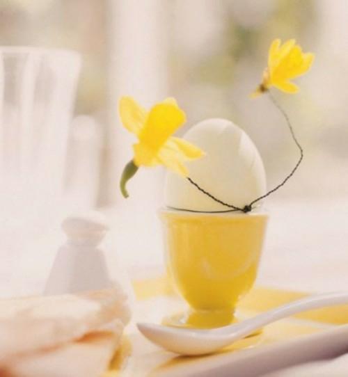 Festliche Dekoideen zu Ostern gelb eierschale keramisch