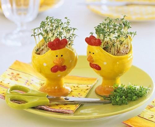 Festliche Dekoideen Ostern gelb keramisch hühner