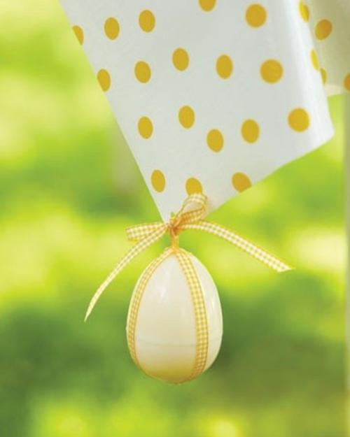 Festliche Dekoideen Ostern gelb papier getupft