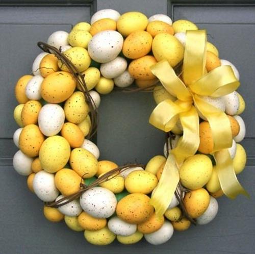 Dekoideen zu Ostern osterkranz gelb eier