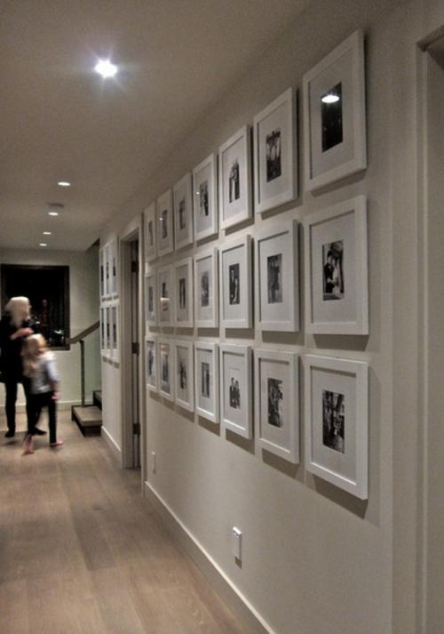 Fotowand  Familienfotos gestalten galerie weiß design