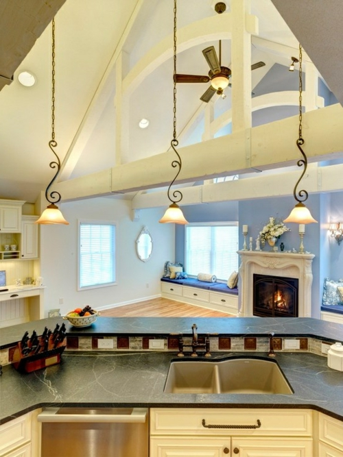 Gemütliche Küche Landhausstil einrichten spüle