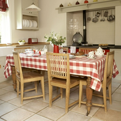 Küche  Landhausstil gestalten authentisch tischdecke holz