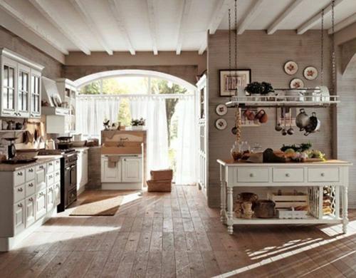 Küche  Landhausstil gestalten holz bodenbelag anrichte