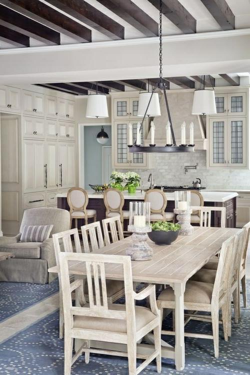 Küche Landhausstil gestalten kronleuchter kerzen