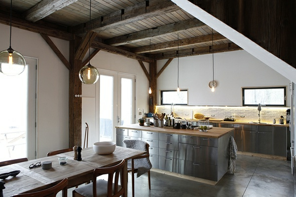 Küchen im Landhausstil esstisch hängelampen glas
