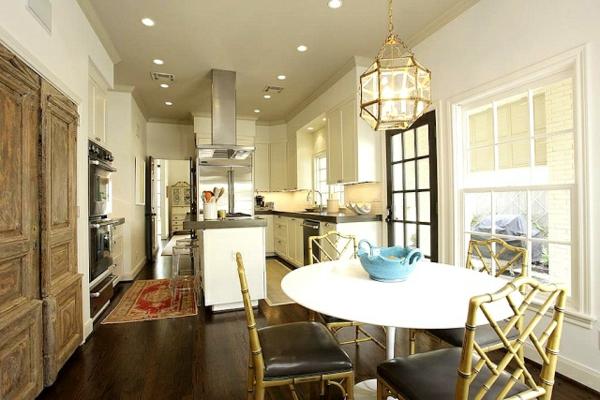 Küchen Designs Landhausstil esstisch stühle rund tischplatte