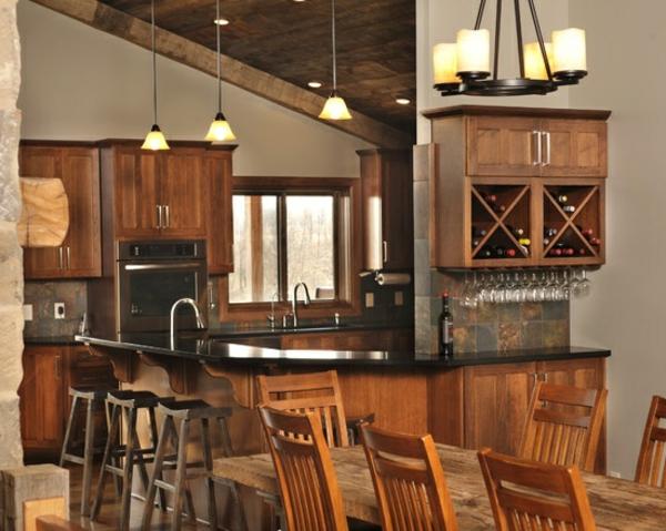 Küchen Designs im Landhausstil holz stühle tisch hängelampen