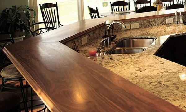 arbeitsplatte Küchen eiche holz kochen rot wandgestaltung spüle