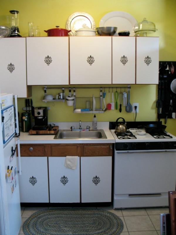 Küchenschrank  Küchenregal organisieren küchenschiene werkzeuge