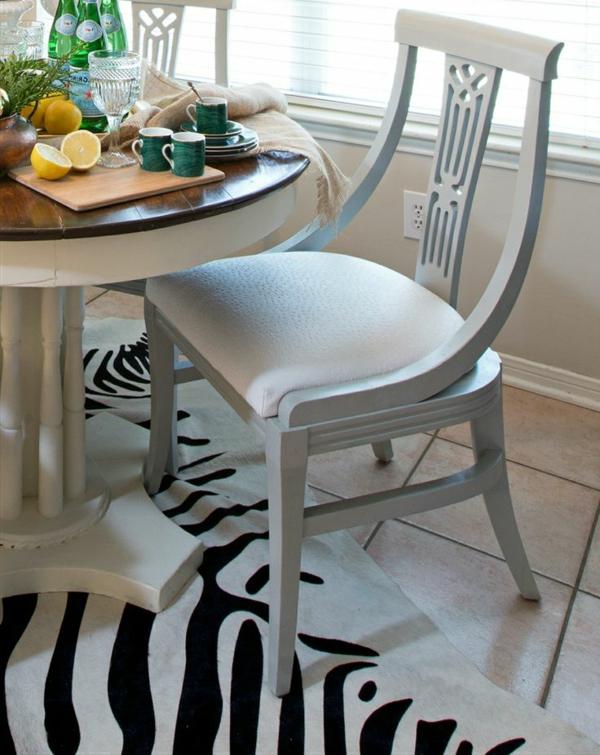 Küchentisch mit Stühlen bequem auflage grau farbe