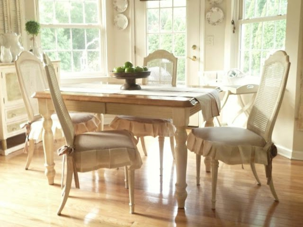 Küchentisch mit Stühlen blau lackiert auflagen traditionell