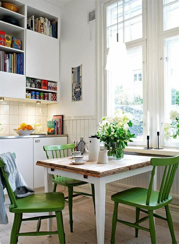 Küchentisch Stühlen grün bemalt stühle vase blumen