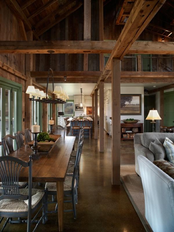 Küchentisch mit Stühlen grau bemalt holzbalken sofa