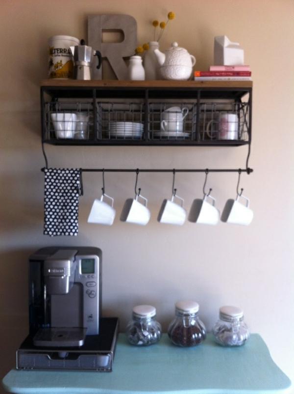 Kaffeebar Küche gestalten küchenschiene tassen maschine