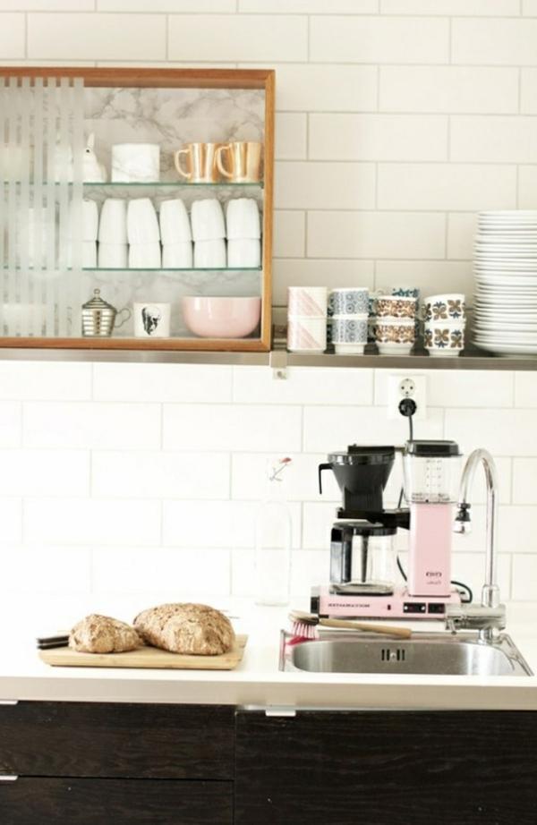 Kaffeebar Küche gestalten kaffeemaschine brot servierbrett