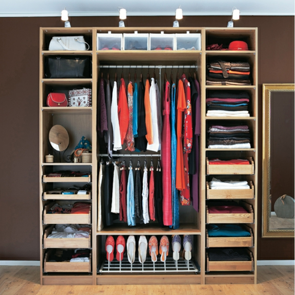Kleiderschrank Ikea Aus Der Werbung ~ Der Kleiderschrank mit Schiebetüren  Möbel für modische Frauen