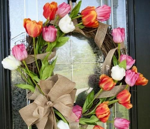 Kranz aus Frühlingsblumen basteln tulpen bunt