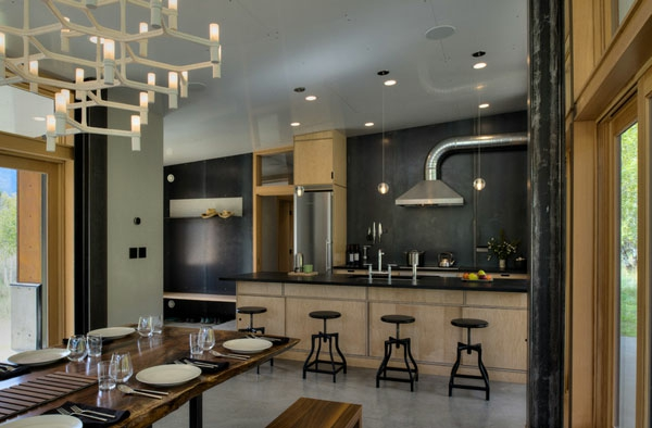 Metall-Akzente als Dekoration küche barhocker hängelampen