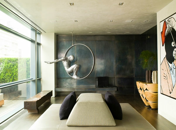 Metall-Akzente als Dekoration sofas kissen sitzbank skulptur