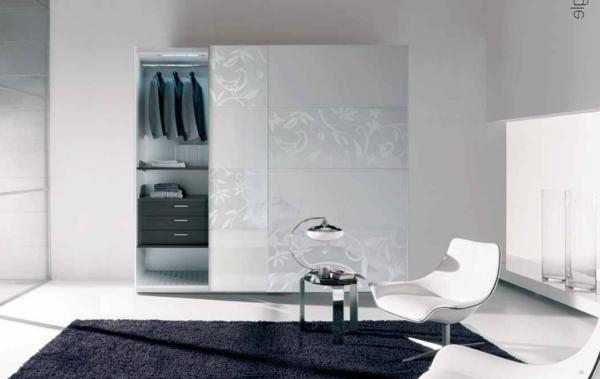 Moderne Kleiderschränke und Garderoben floral muster