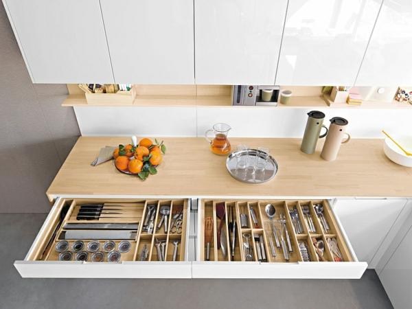 Schubladen für küchenschränke  Moderne italienische Küche bietet einen funktionalen Stauraum