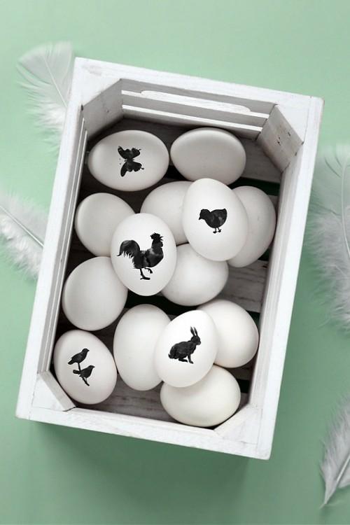 Ostereier in Schwarz-Weiß bemalen bewahren