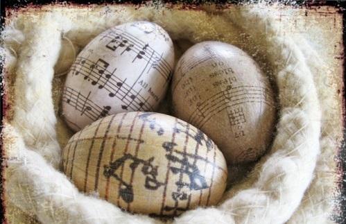 Ostereier in Schwarz Weiß bemalen musik