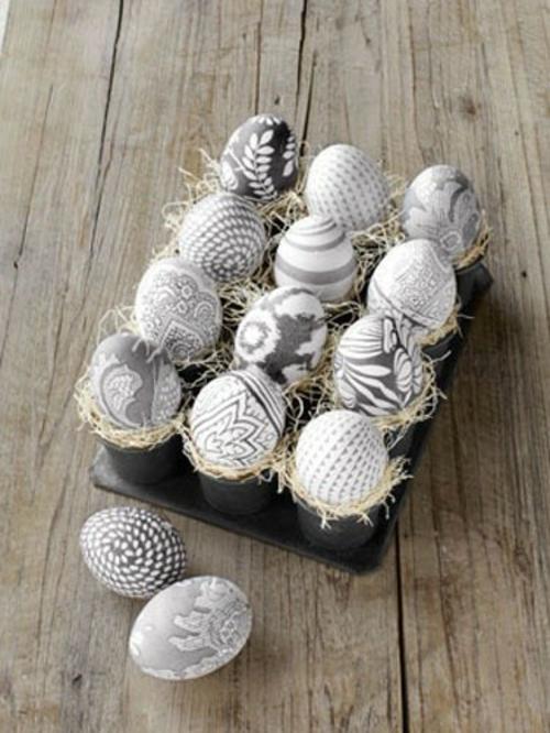 Ostereier in Schwarz Weiß eierverpackung